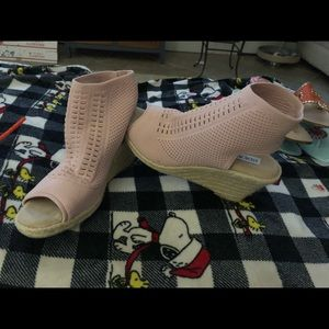 Steve Madden stretchy  Dusty Rose open toes